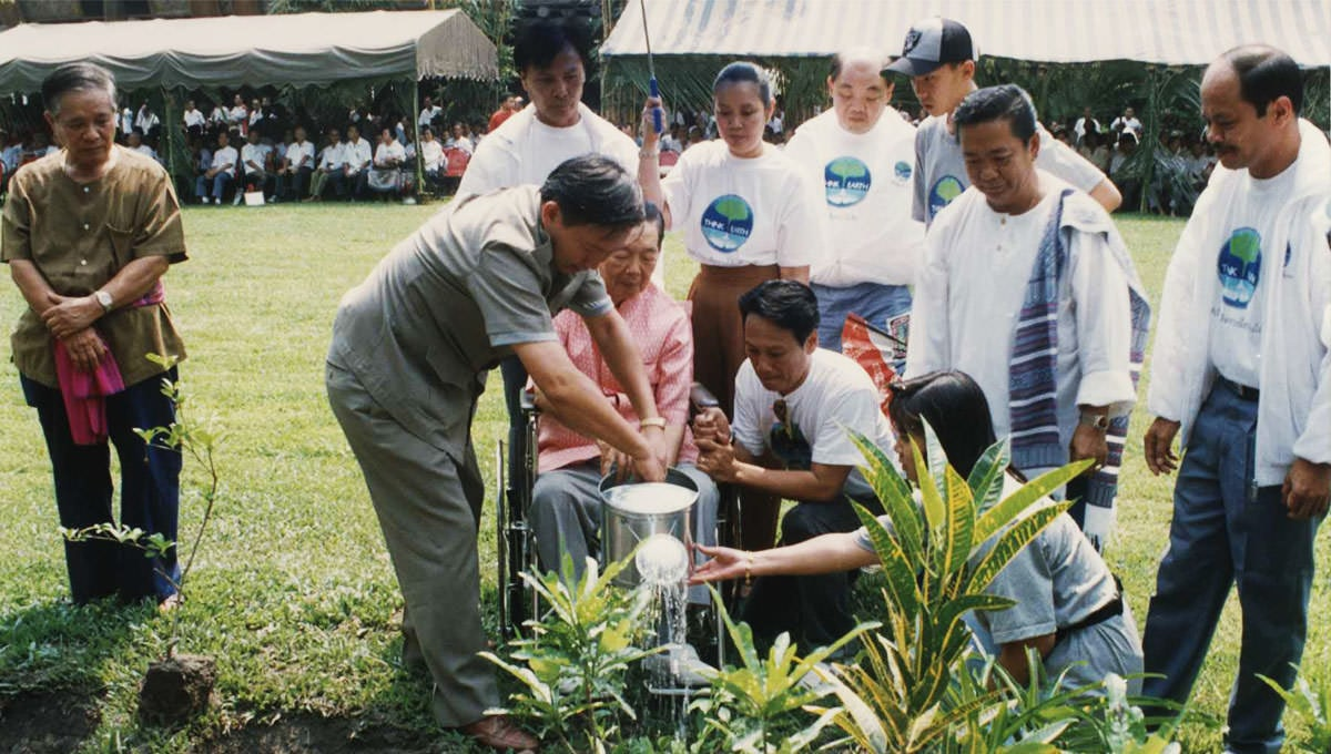 Planting the Trees in Thai Hearts_2
